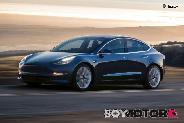 El gobierno de China le aprieta las tuercas a Tesla - SoyMotor.com