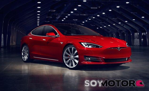 Tesla decide ampliar la gama del Model S, aunque en este caso es por su parte baja - SoyMotor