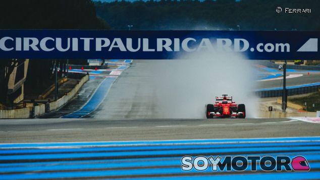 Ferrari durante unos test de Pirelli en Paul Ricard - SoyMotor