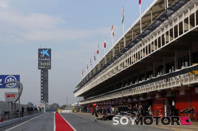 Pit Lane del Circuit de Barelona-Catalunya - SoyMotor.com