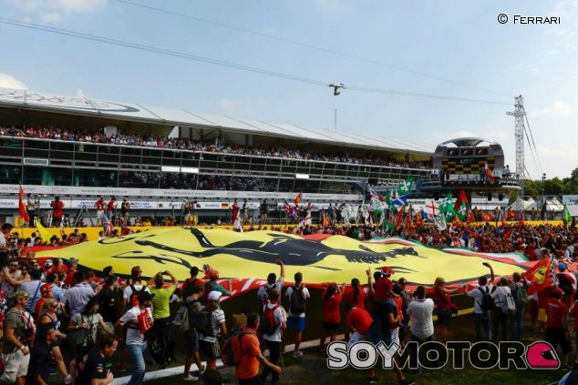 Tiffosi de Ferrari en Monza 2014 - LaF1.es