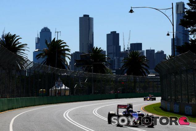 Carlos Sainz y Max Verstappen participan este fin de semana en su primer Gran Premio como pilotos de F1 - laF1