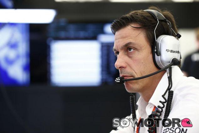 Toto Wolff, crítico con la Fórmula 1 - LaF1