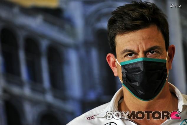 Wolff se quedará con Mercedes en 2021, pero no concreta su puesto - SoyMotor.com