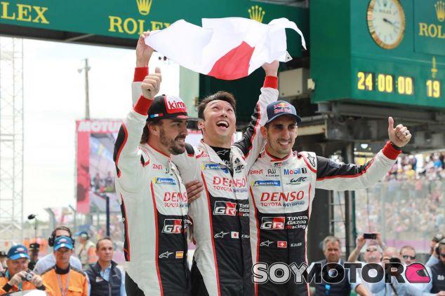 Alonso, Buemi y Nakajima ganan las 24 Horas de Le Mans con Toyota - SoyMotor