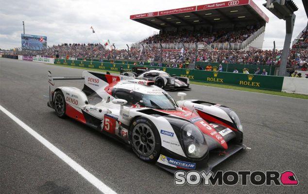 Porsche adelanta al Toyota averiado para tomar el liderato - LaF1