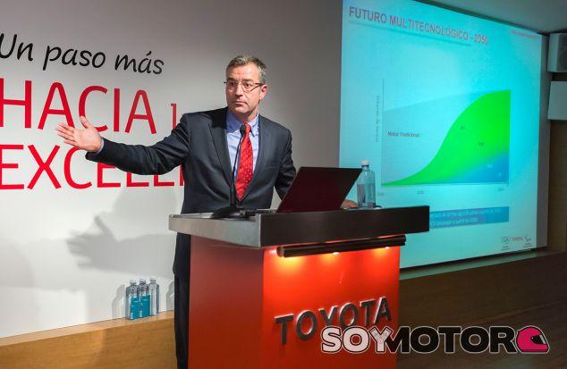 Toyota redobla la apuesta por el híbrido, renunciará al Diesel en 2022 y no olvida el hidrógeno - SoyMotor.com