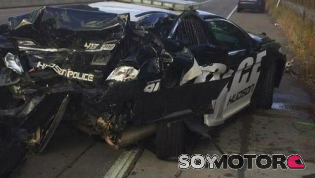 Así quedó el coche patrulla