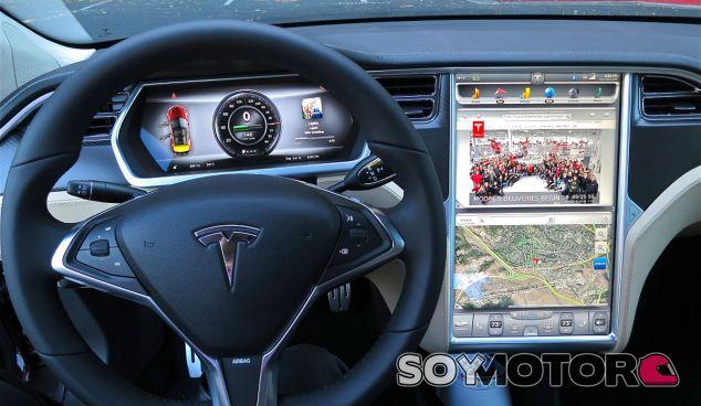 El Autopilot de Tesla en manos de conductores imprudentes es un peligro - SoyMotor