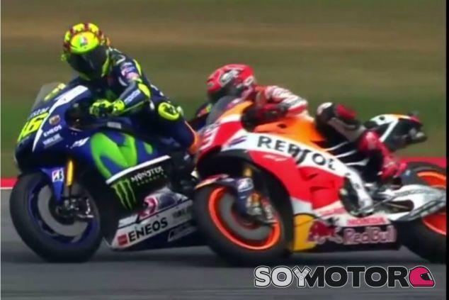Ecclestone no quiere ver una acción como la de Rossi en F1 - LaF1