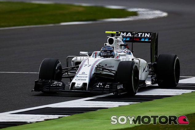 Valtteri Bottas durante los libres en Silverstone - LaF1