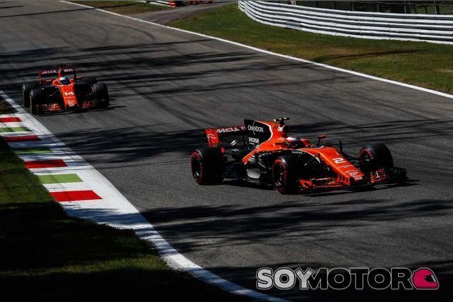 Stoffel Vandoorne y Fernando Alonso en Monza - SoyMotor.com