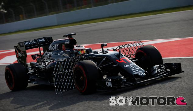 Stoffel Vandoorne en los test de Barcelona - LaF1