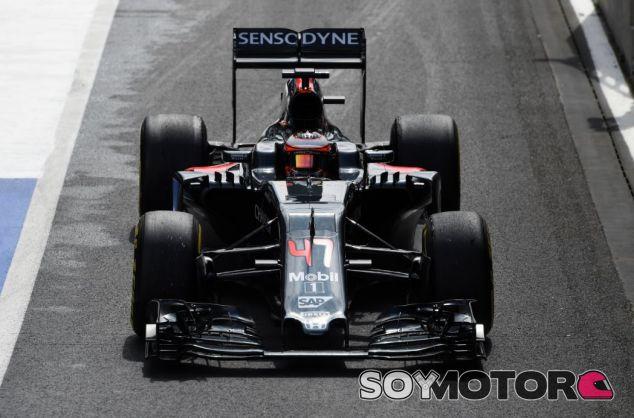 Stoffel Vandoorne es optimista con las opciones de McLaren en 2017 - SoyMotor