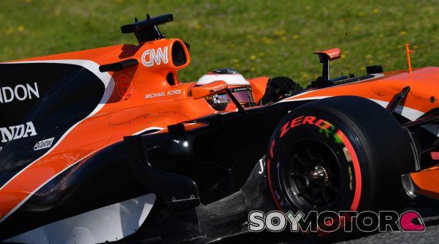 """Villeneuve, sobre Vandoorne: """"Lo único que puede hacer es intentar vencer a Alonso"""" - SoyMotor.com"""