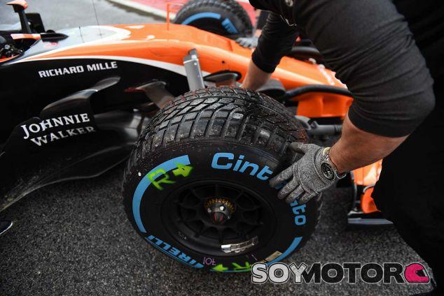 Stoffel Vandoorne en los tests de Barcelona - SoyMotor.com