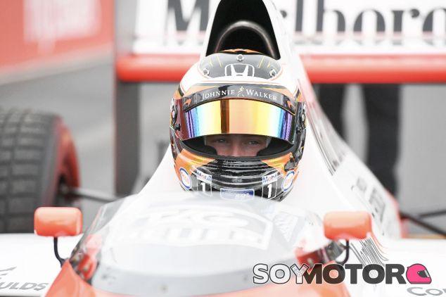 Stoffel Vandoorne en el MP4/5 - SoyMotor.com
