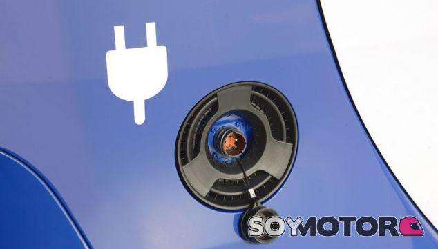 El anuncio del nuevo Plan MOVEA ha llegado en el primer foro de movilidad sostenible de Nissan - SoyMotor