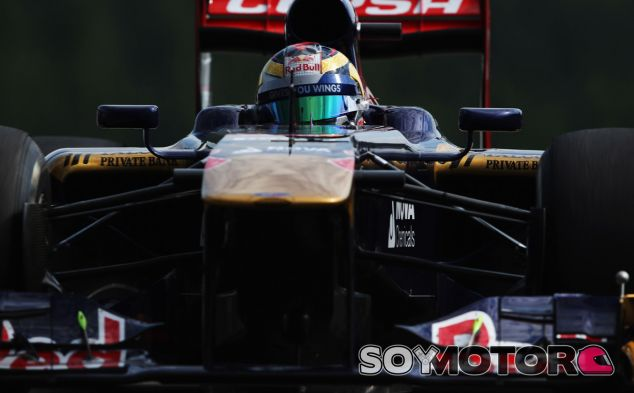 Jean-Éric Vergne, frutado tras caer en la Q1 del GP de Bélgica - LaF1