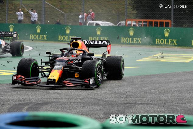 """Verstappen, cuarta vuelta más rápida de Hungría con """"medio coche"""" - SoyMotor.com"""