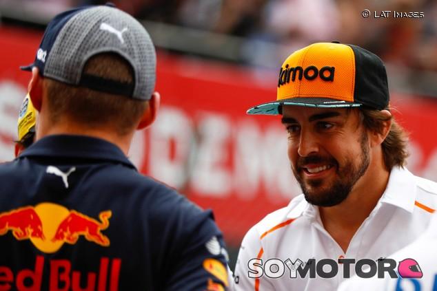 Alonso mete a Verstappen en el saco de los campeones - SoyMotor.com