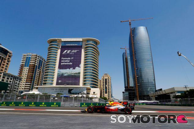 Max Verstappen en Bakú - SoyMotor