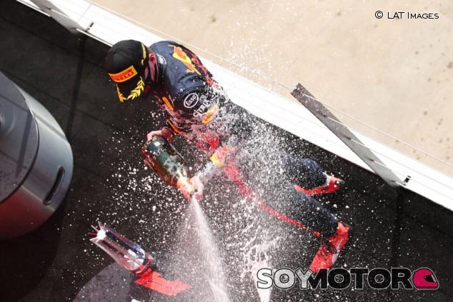 Verstappen mima sus gomas para ganar el GP del 70º Aniversario - SoyMotor.com