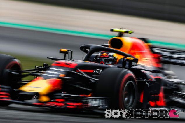 Max Verstappen en Barcelona - SoyMotor