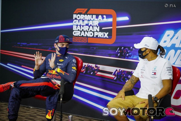 ¿Verstappen como sustituto de Hamilton en Mercedes? Max no piensa en ello - SoyMotor.com