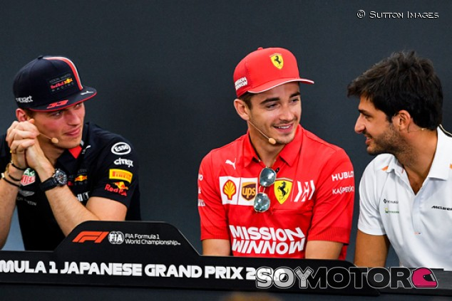 "Verstappen ve a Sainz en Ferrari: ""No irán a por el del apellido italiano"" - SoyMotor.com"