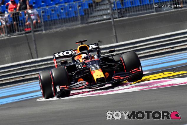 Verstappen asusta en los Libres 3 de Francia; Sainz, tercero - SoyMotor.com