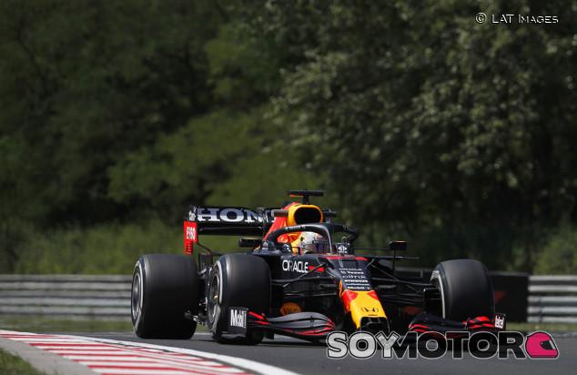 Verstappen lidera por la mínima los Libres 1 de Hungría; Sainz, cuarto - SoyMotor.com