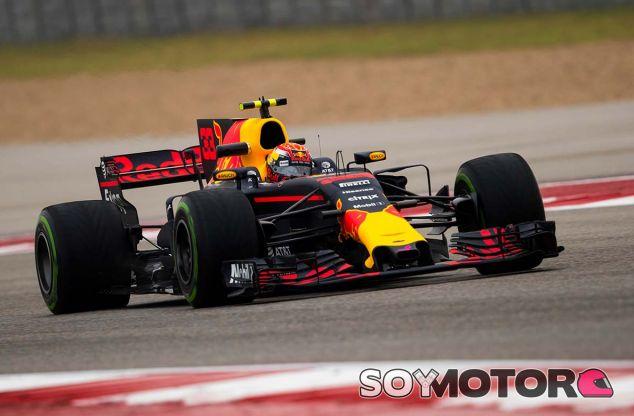 Max Verstappen en Austin con intermedios - SoyMotor.com