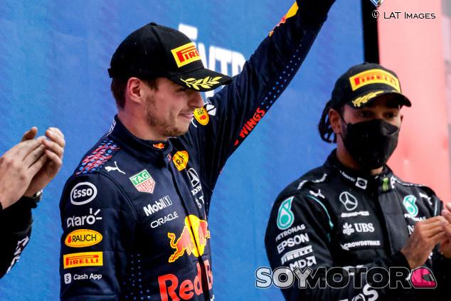 """Verstappen, de último a segundo: """"La lluvia nos ha ayudado"""" - SoyMotor.com"""