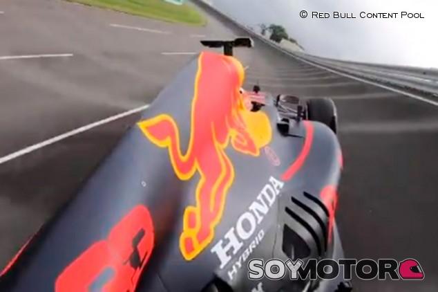¿Un F1 moderno en la antigua curva peraltada de Monza? Honda lo simula - SoyMotor.com