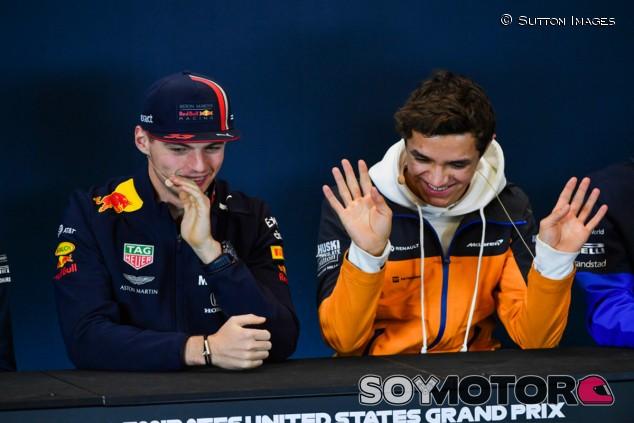 """Verstappen se ríe de otro abandono virtual de Norris: """"Tira el juego"""" - SoyMotor.com"""