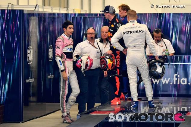 Esteban Ocon y Max Verstappen en el GP de Brasil - SoyMotor