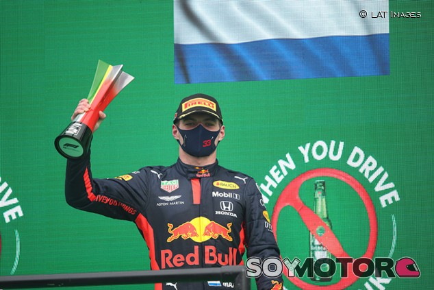 """Usan una radio de Verstappen para pedir cambios en la definición de """"mongol"""" - SoyMotor.com"""