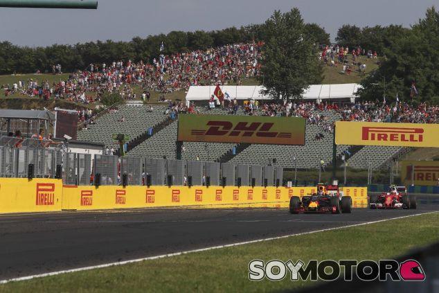 Max Verstappen pelea con Kimi Raikkonen en Hungría - LaF1