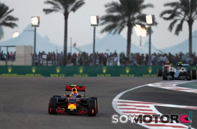 Max Verstappen en Abu Dabi - SoyMotor