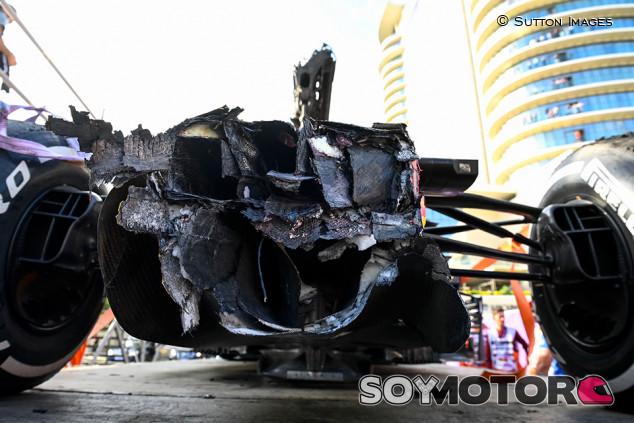 Verstappen pasa por el taller: los daños de su Red Bull tras Bakú - SoyMotor.com