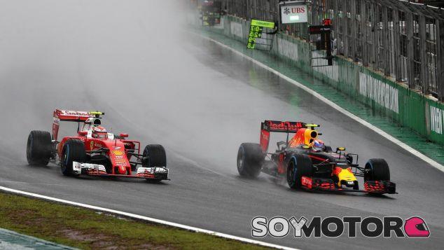 Verstappen en su adelantamiento a Räikkönen - SoyMotor
