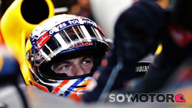 Verstappen está siendo criticado por su pilotaje agresivo esta temporada - LaF1