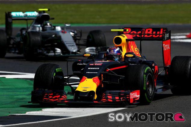 Verstappen ha puesto en aprietos a Mercedes en más de una ocasión esta temporada - SoyMotor