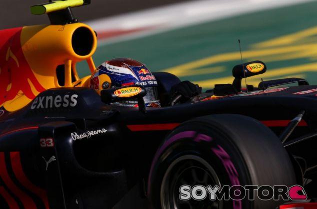 Max Verstappen y Stoffel Vandoorne todavía no se han encontrado en pista - SoyMotor