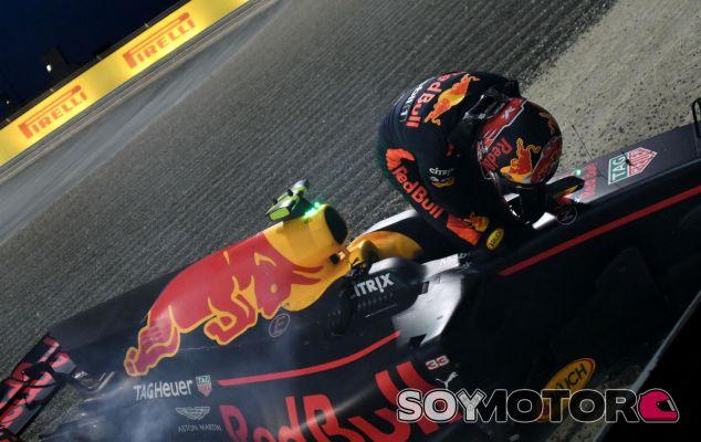 """Verstappen lamenta no sumar """"un montón de puntos"""" tras su retirada - SoyMotor"""