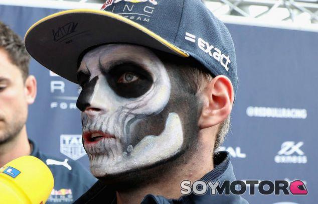 Verstappen, con la cara pintada en la previa al GP de México - LaF1