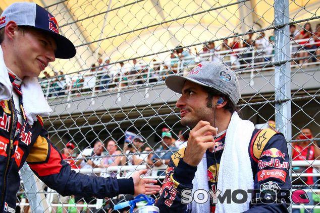 Carlos Sainz y Max Verstappen antes de la salida - LaF1