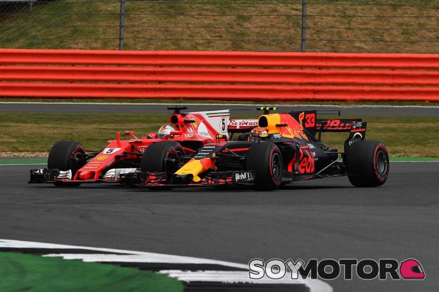 """Verstappen: """"No me tomo ninguna de las quejas de Vettel en serio"""" - SoyMotor.com"""
