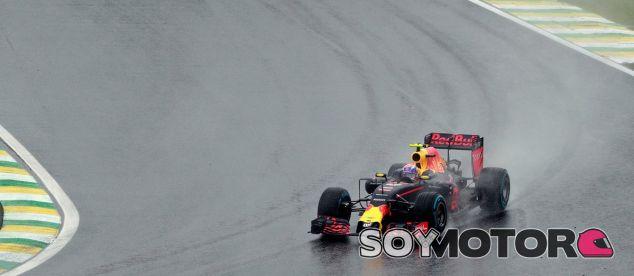 Verstappen, durante la carrera en el GP de Brasil - LaF1